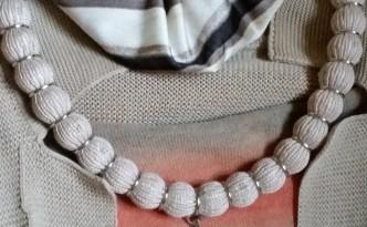 collana tubolare di lino