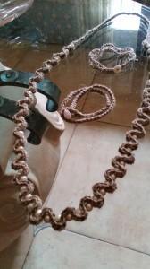 Collana lino e perle e braccialetti
