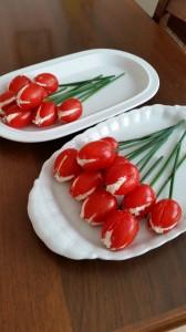 Tulipani...pomodorini farciti di robiola