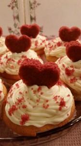 Cupcakes con cuore rosso