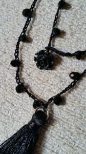 Collana seta e cristalli nera